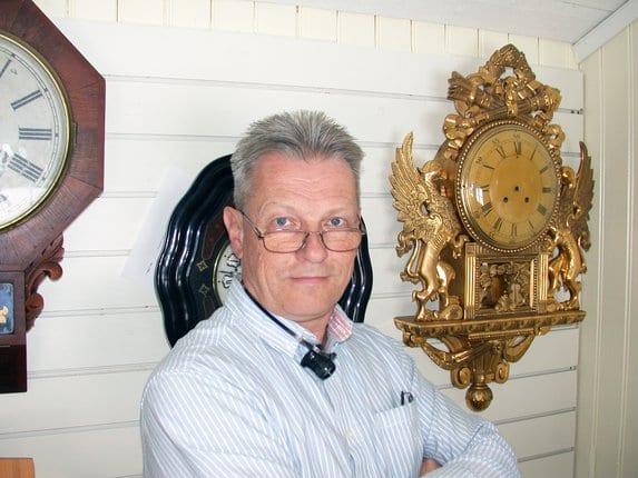 Vår långt erfarna och utbildade urmakare Anders Mattsson